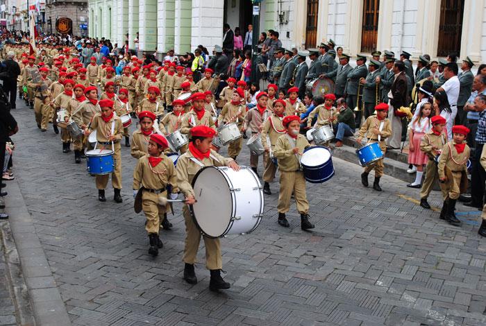 desfile estudiantil retorno ibarra 27 04 2012 02