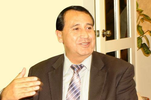 alcalde cayambe representa municipios pichincha 22 05 2012 02