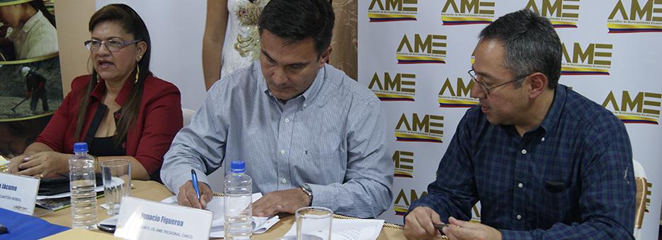 firma de convenios municipios regional 5 y ministerio de educación