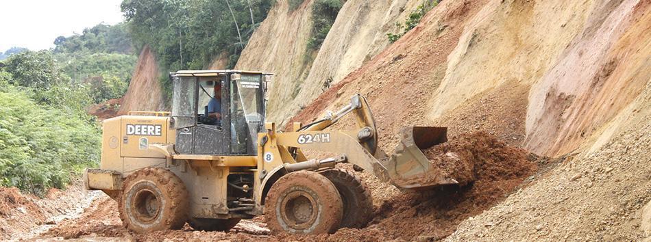 Deslizamiento de tierra en la via a Capiro - Piñas - web