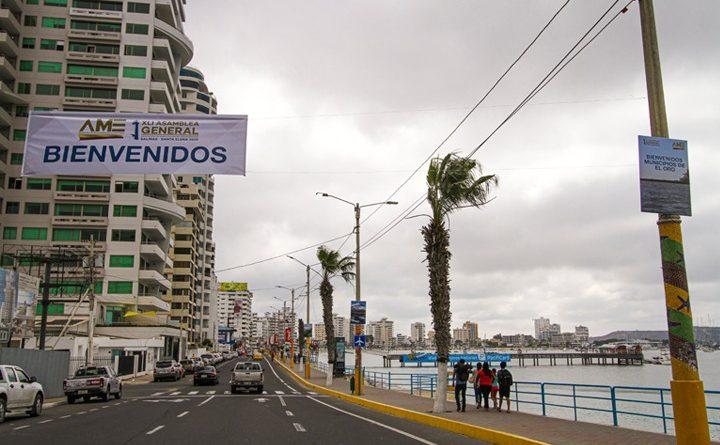 Salinas recibe a los alcaldes y alcaldesas de los 221 municipios del Ecuador en la XLI Asamblea General de la AME