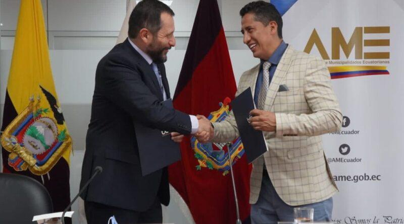Presidente Nacional de AME dialoga con autoridades de Gobierno
